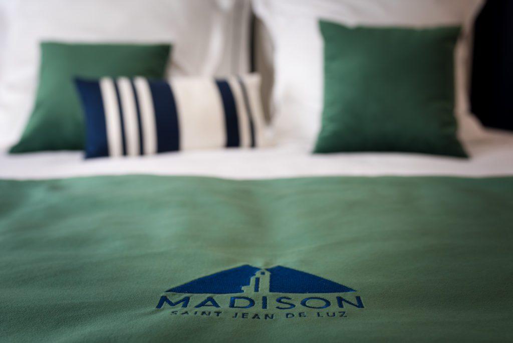 Chambre classique madison saint jean de luz - Superficie minimum chambre ...