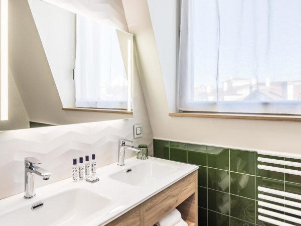 Madison saint jean de luz Hôtel quatre étoiles suite salle de bain